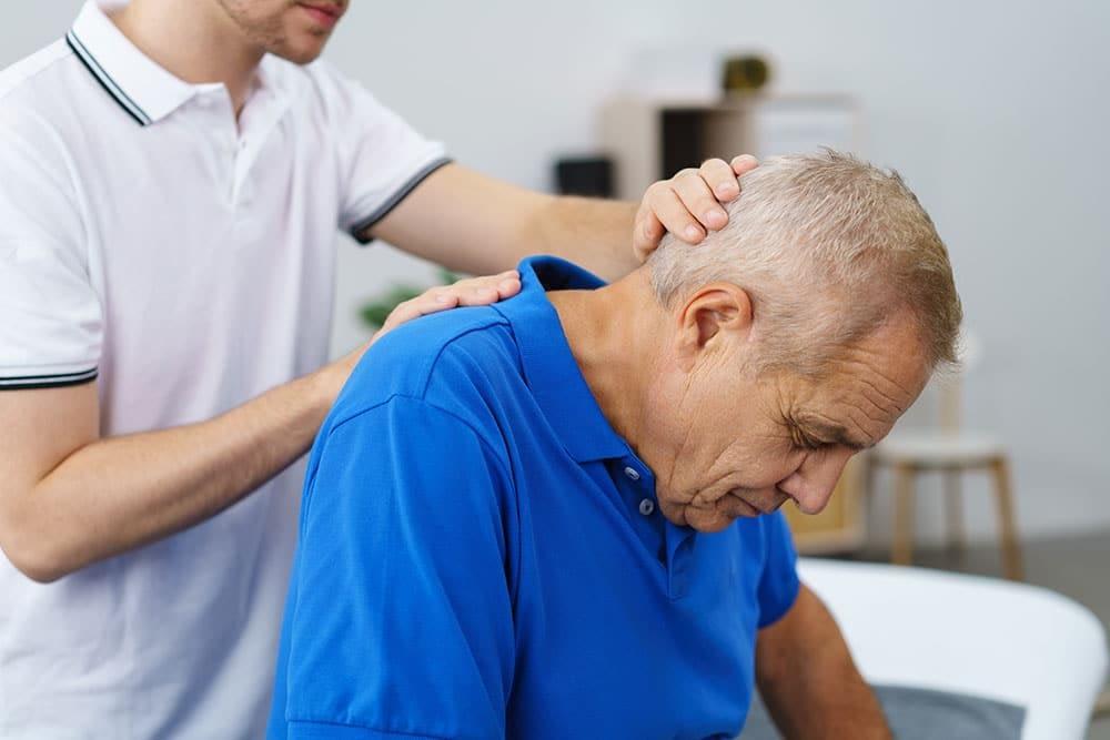 L'ostéopathie, un soin adapté aux personnes âgées