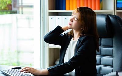 Comment soigner les douleurs de cou (cervicalgie) chronique avec l'ostéopathie ?